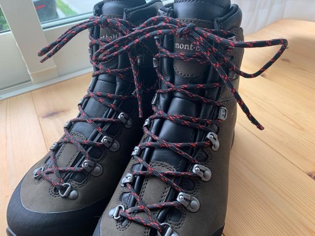 登山靴の靴紐